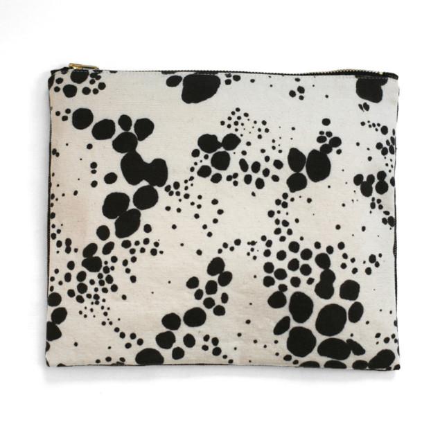 spots_pouch_front_1024x1024